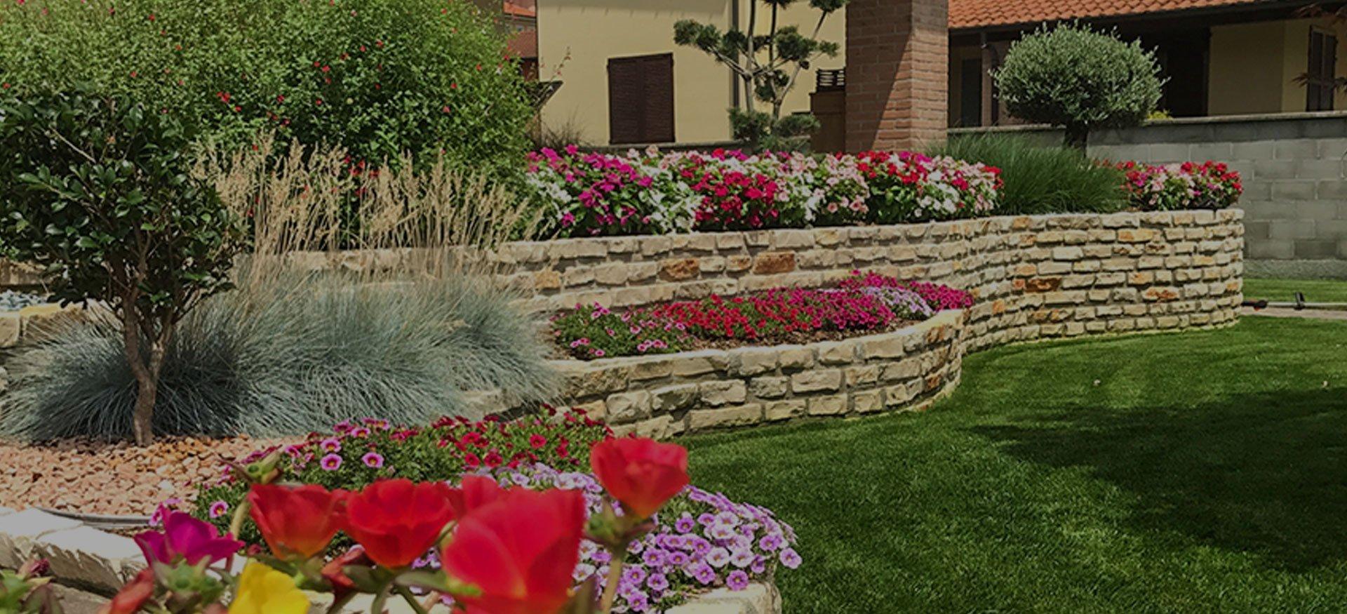 Caruso giardinaggio giardinieri a milano caruso for Manutenzione giardini