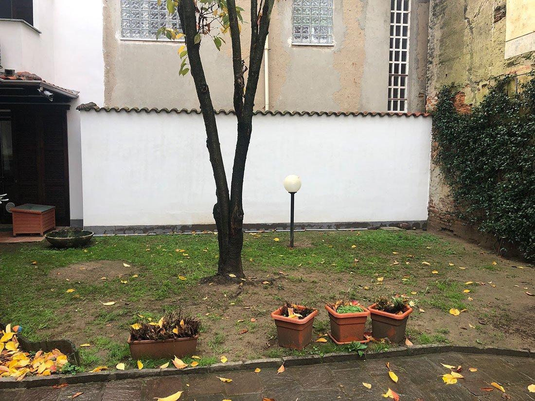 Prima della ristrutturazione del giardino